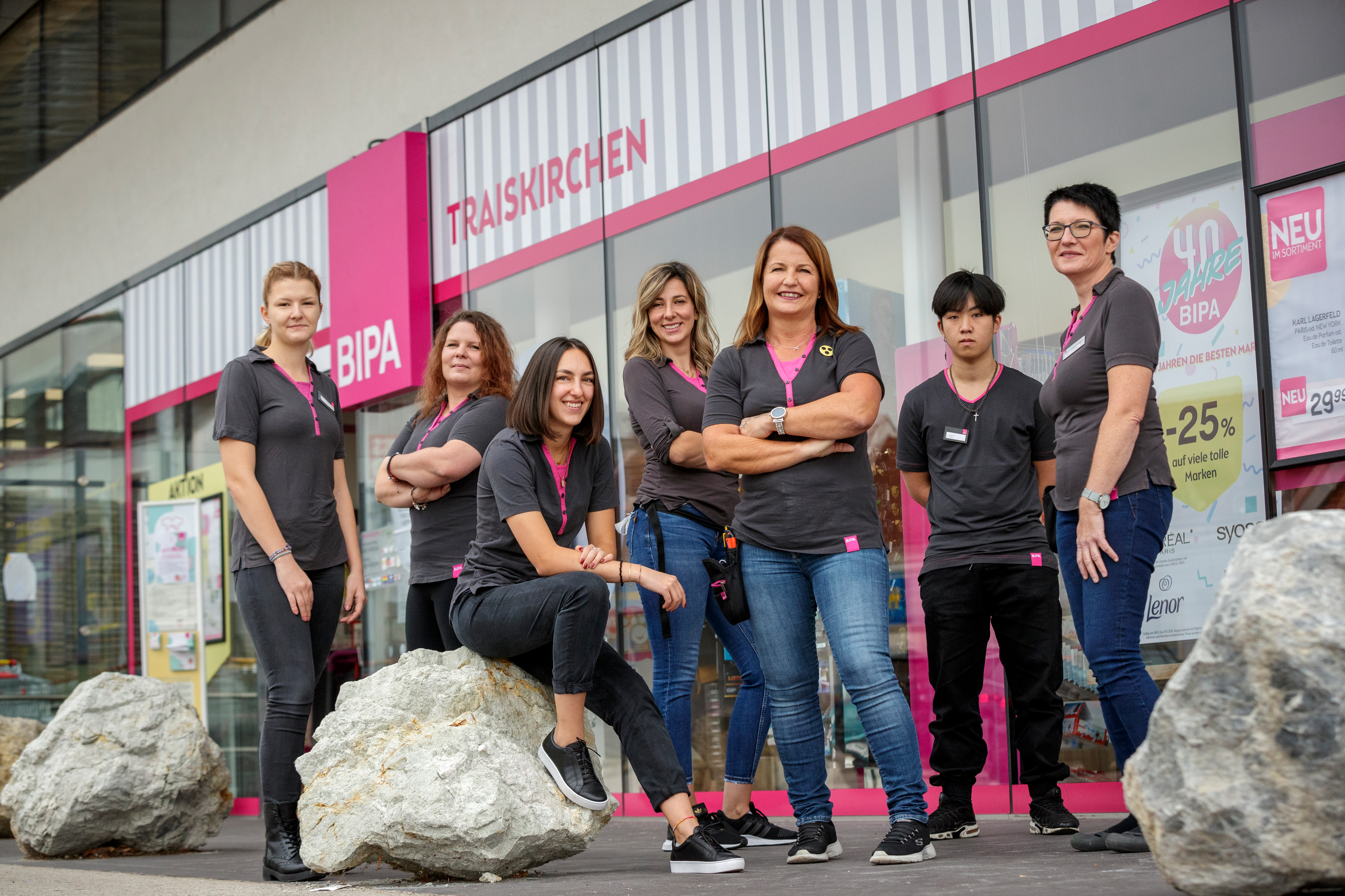 Shop Managerin Claudia Mayer und Team
